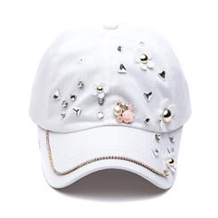 White Daisy Crystal Cap