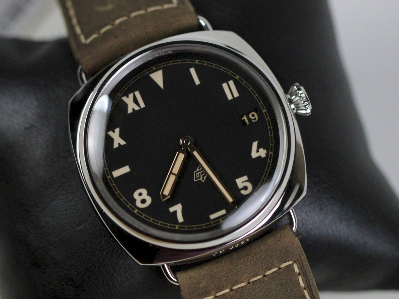 Dial & Bezel - New Panerai Watch - Radiomir California 3 Days PAM 424 - www.Legendoftime.com - Chicago Watch Center