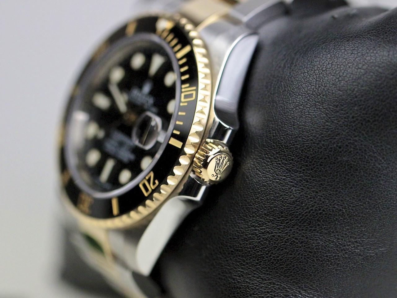 Crown & Case Detail - Rolex Watch Submariner Steel and Gold 116613 - www. Legendoftime.com - Chicago Watch Center