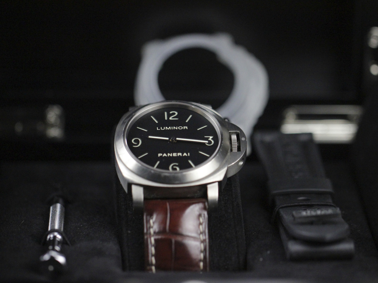 Complete - Pre-owned Panerai Watch - Luminor Base PAM00176 Titanium available for sale Legend of Time - Chicago Watch Center