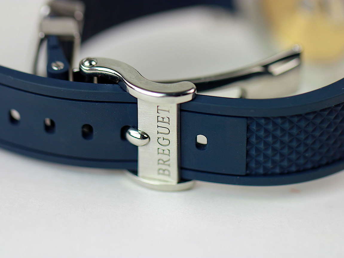 What are metal straps used for?