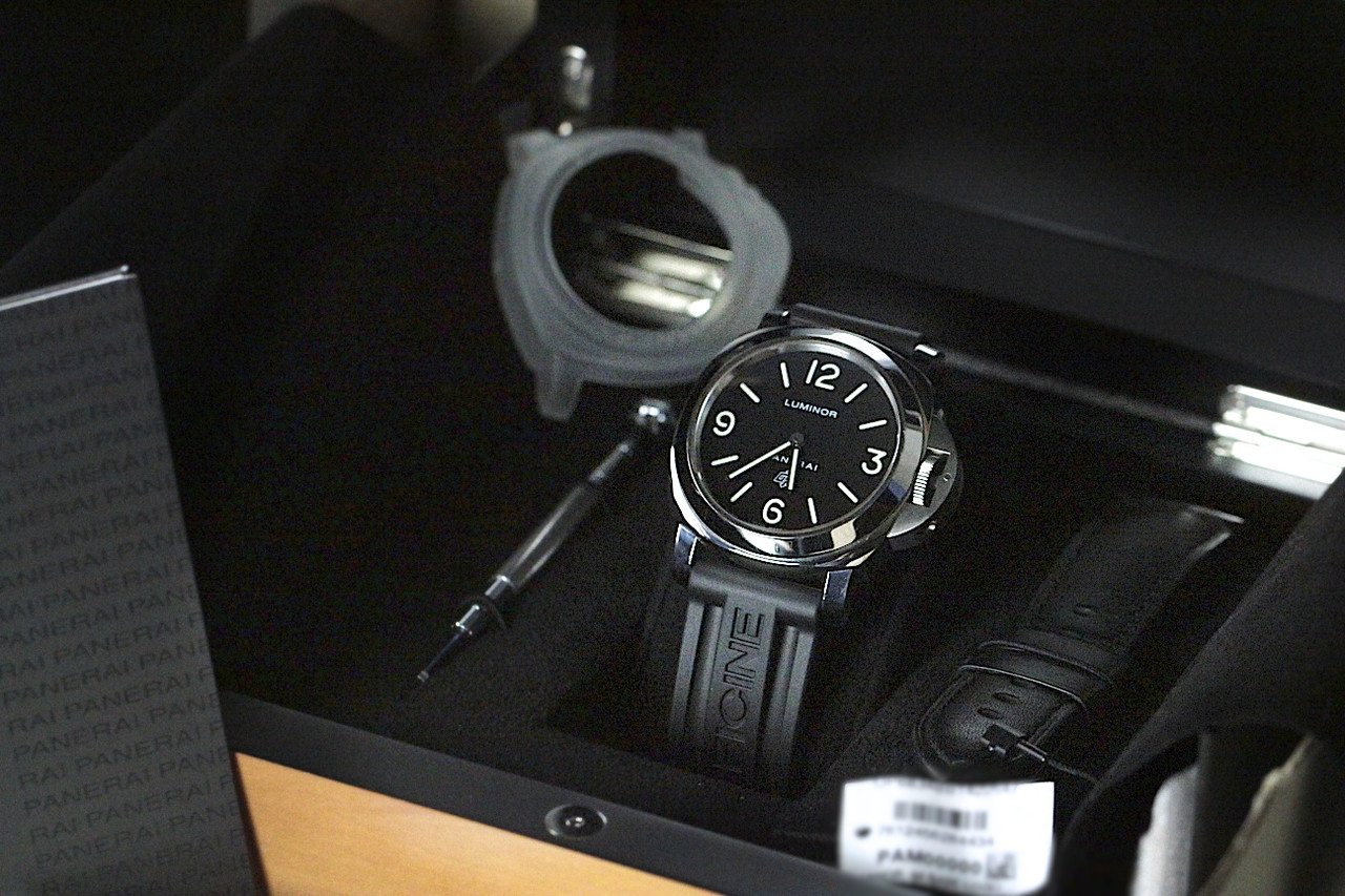 For Sale used Panerai Watch Luminor Base Logo Acciaio PAM00000 complete, available online www.Legendoftime.com and in store Chicago Watch Center - Legend of Time