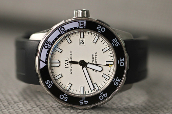For sale great pre-owned IWC Aquatimer 2000 Date 44mm IW356811 Stainless White Black Rubber strap.