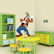 Mickey & Friends - Goofy Giant Wall Stickers