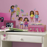 The fun learning never ends when you grace your child's room with these Dora and Friends Wall stickers.