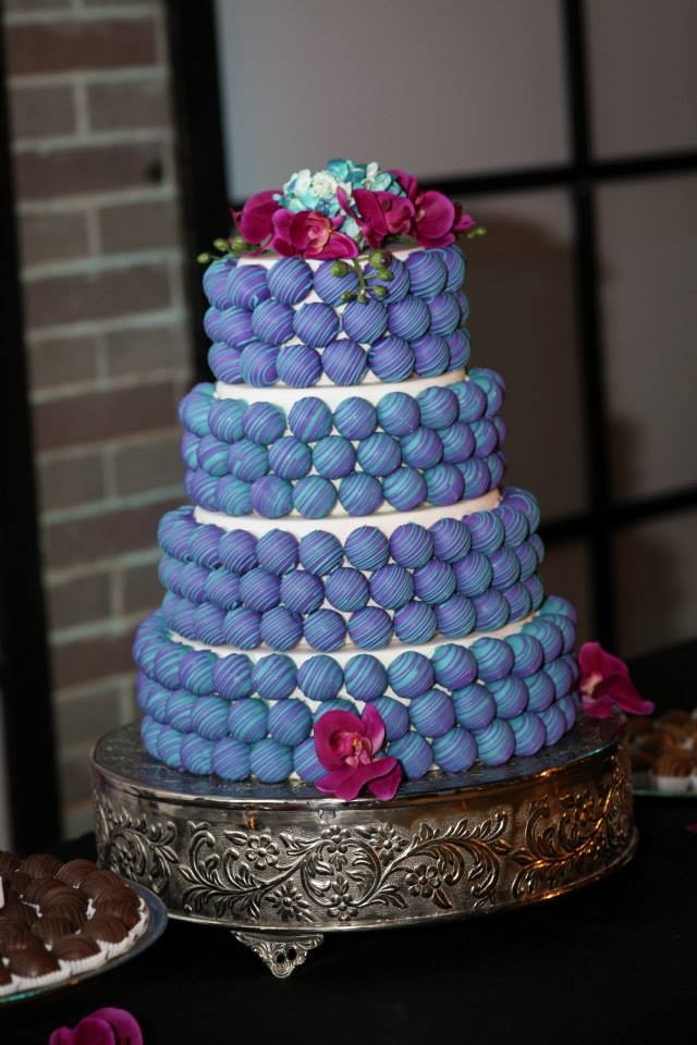 blue-cake-ball-wedding-cake.jpg