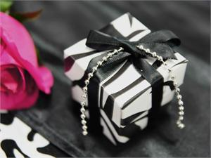 zebra-favor-box.jpg