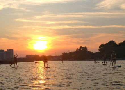 sup-sunset-paddles-toronto01.jpg