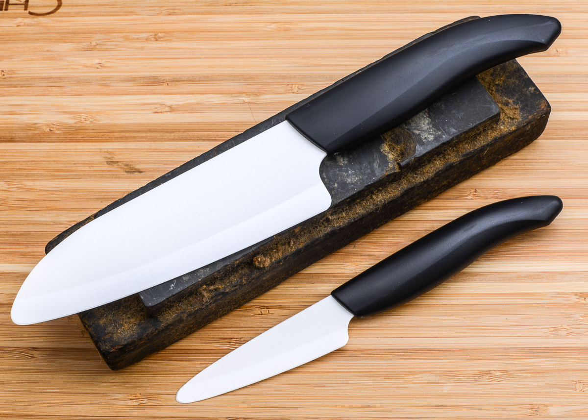 kyocera 5 5 quot santoku amp 3 quot paring knife set