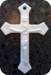 White Plastic Crucifix Minimum order 1=1,000