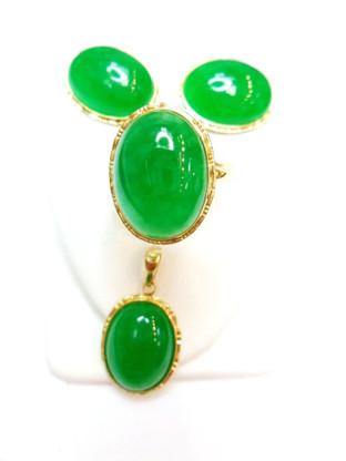 14K Gold Jade Oval Set