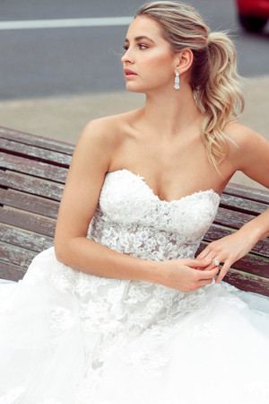 Wedding Dress - Demi | M1739Z