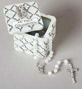 Keepsake Box made of lattice style resin measures 2 and 1 quarter inches square by 2 inches deep RO44035