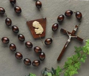 religious-articlesrosarieswall-rosaries