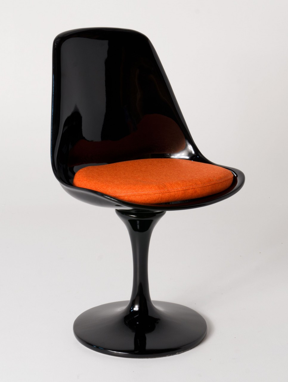 Replica tulip chair black fibreglass with orange cushion replica eero saarinen tulip chair - Replica tulip chair ...