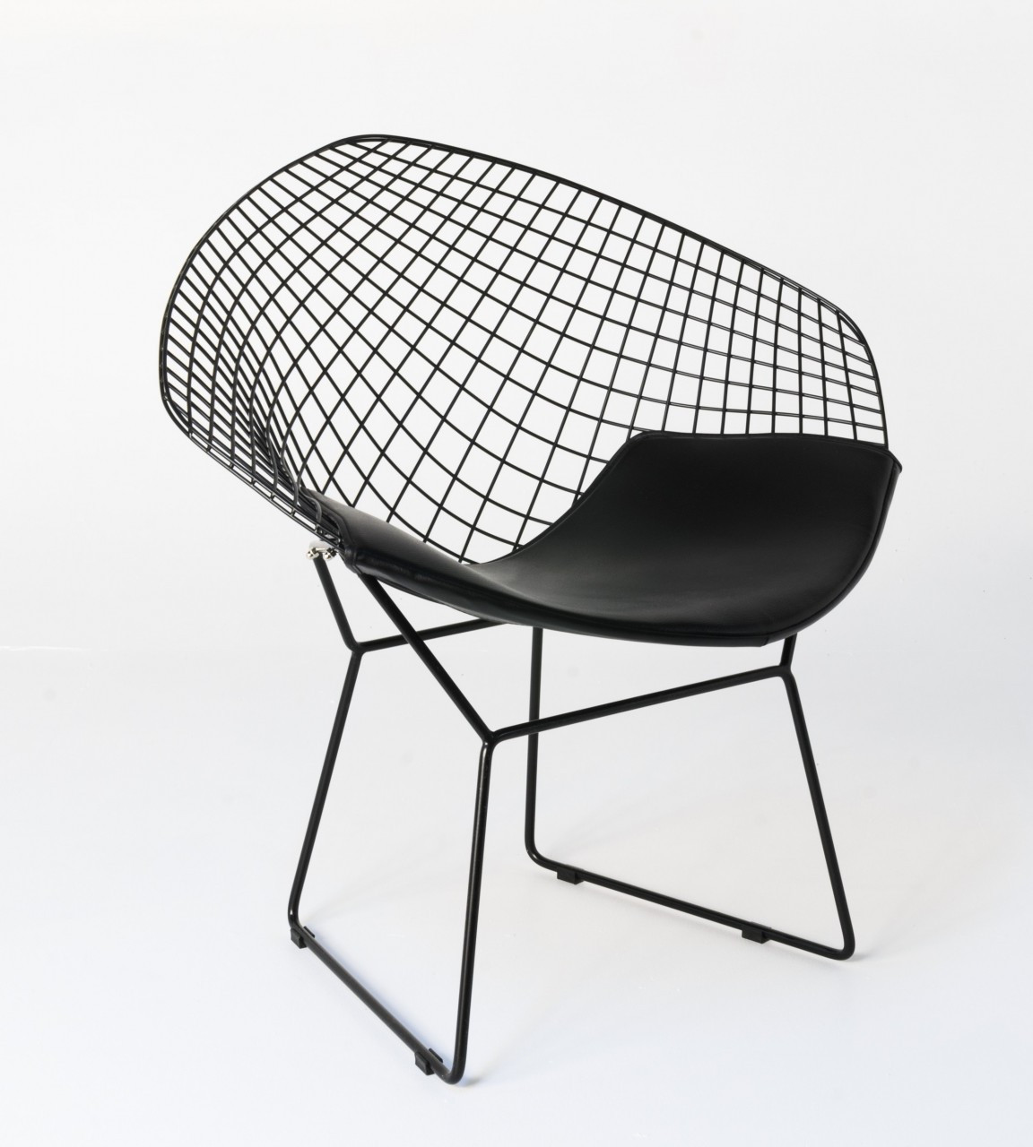 replica diamond chair replica harry bertoia diamond chair black powdercoated frame. Black Bedroom Furniture Sets. Home Design Ideas