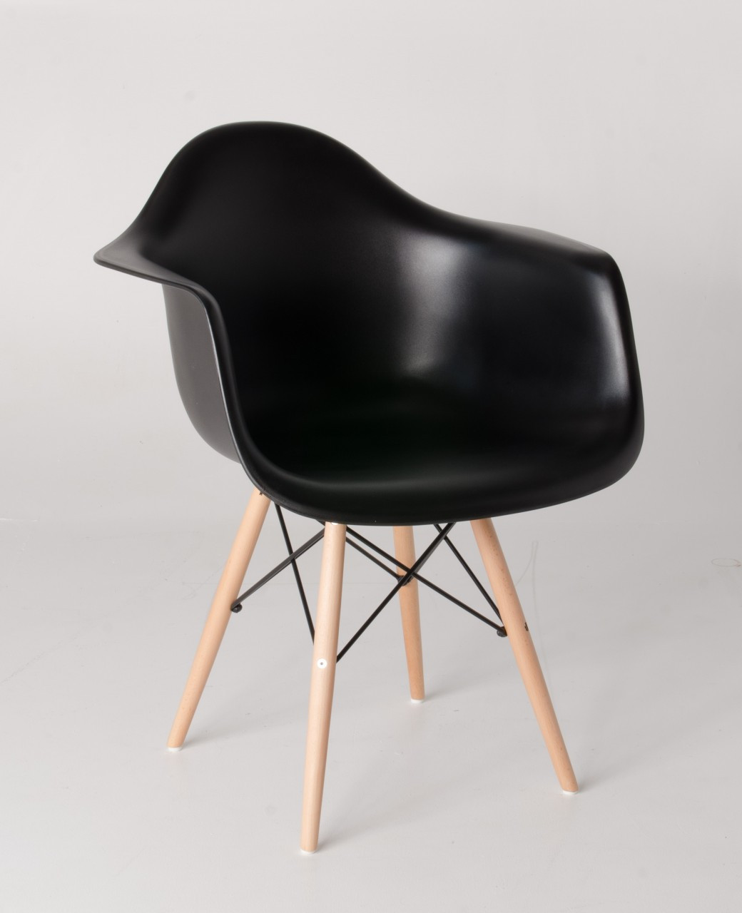 Replica eames daw eiffel chair replica daw chair black for Eames plastic armchair daw replica