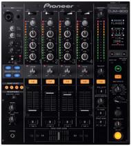 1 x Pioneer DJM-800 Mixer