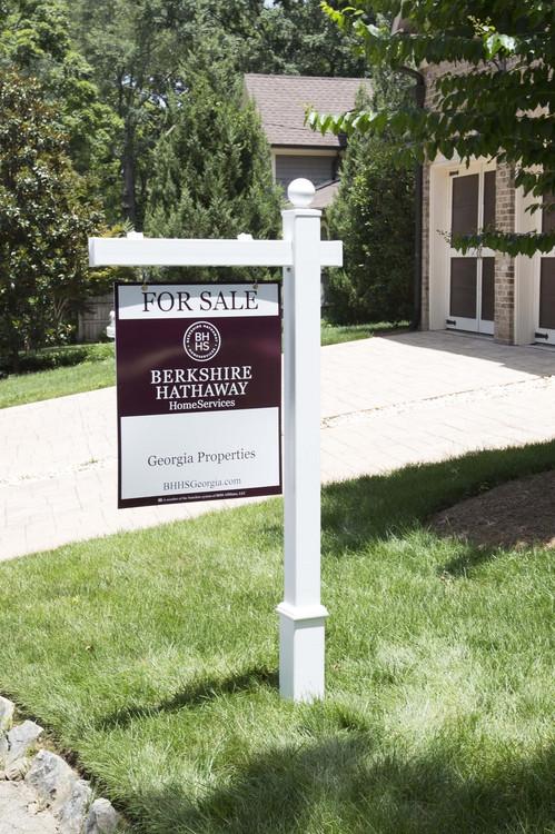 Hampton Vinyl Real Estate Post
