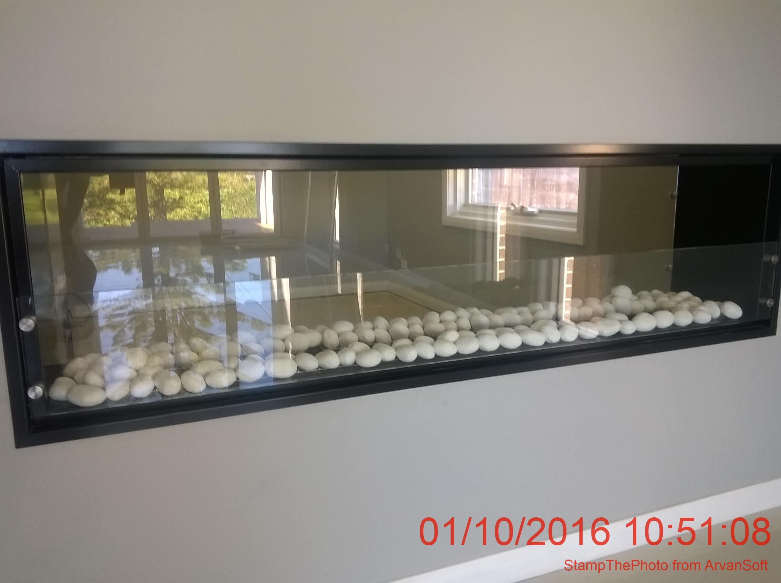 david-fireearlwood-white-pebbles.jpg
