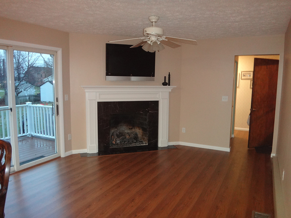 Family room after pic with Leesburg Mantel
