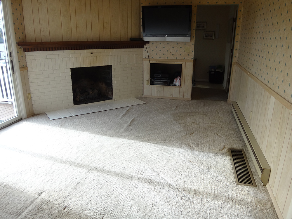 Family room before pic