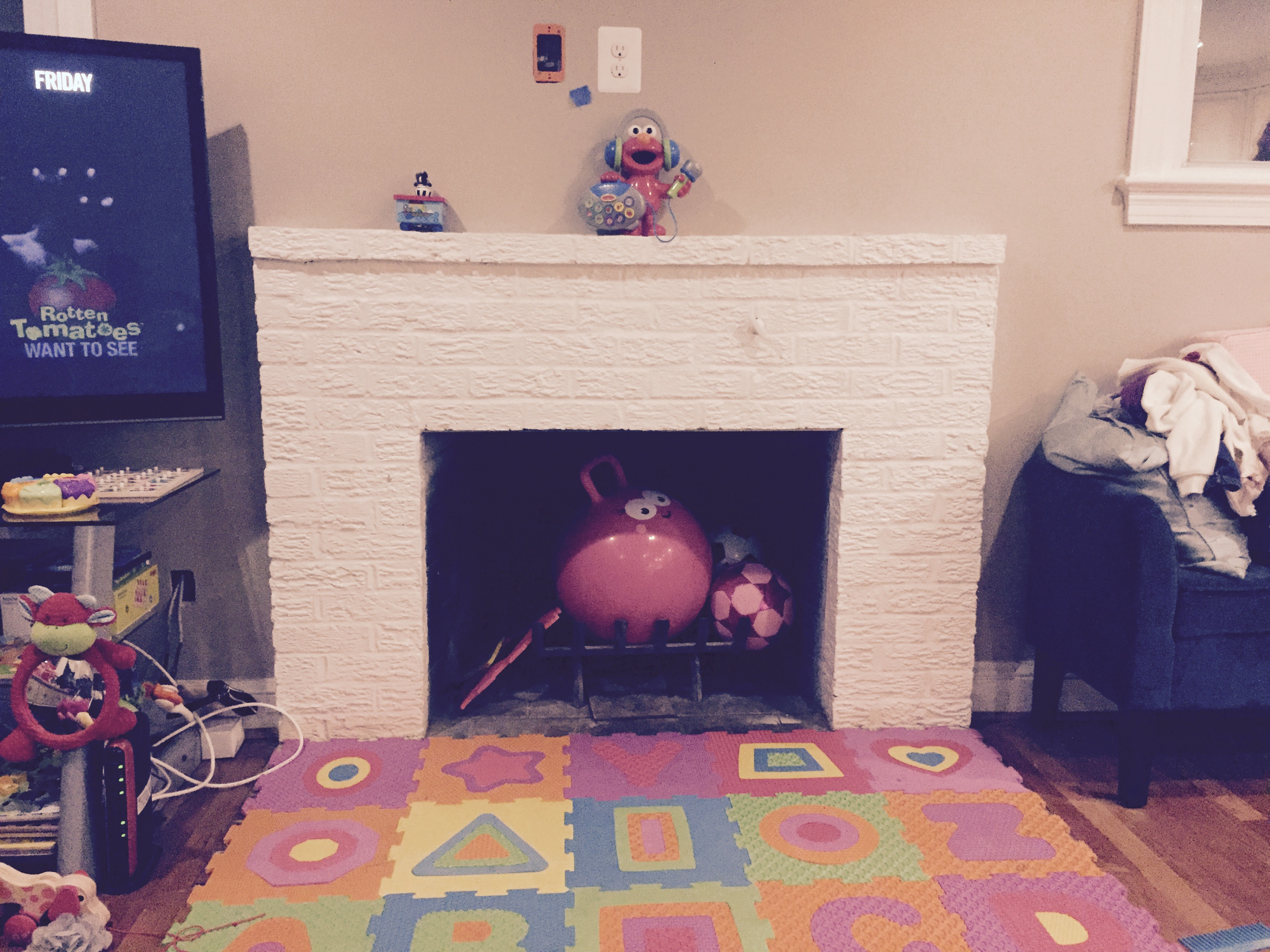 mantel-before.jpg