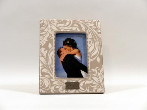 The Kiss Wedding Photo Frame