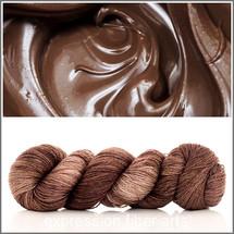 MELTED CHOCOLATE SHIMMERING CASHMERE FINGERING