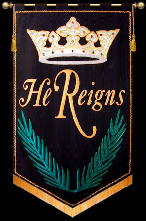 He-Reigns-black_md.jpg