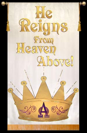 Set-Easter-2011-He-Reigns_md.jpg