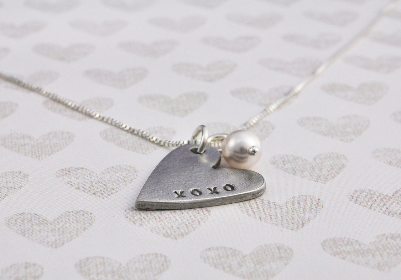 Side view heart charm