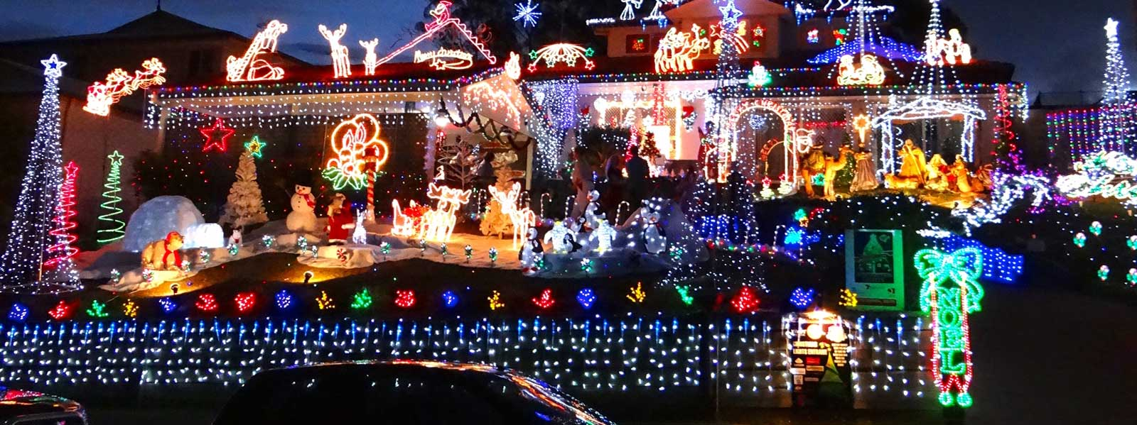 Commercial christmas decorations outdoor - Amazing Indoor Outdoor Lighting Displays