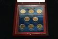 2009 PRESIDENTIAL DOLLARS SET BOTH P & D MINTS W/ CASE AND WOODEN BOX