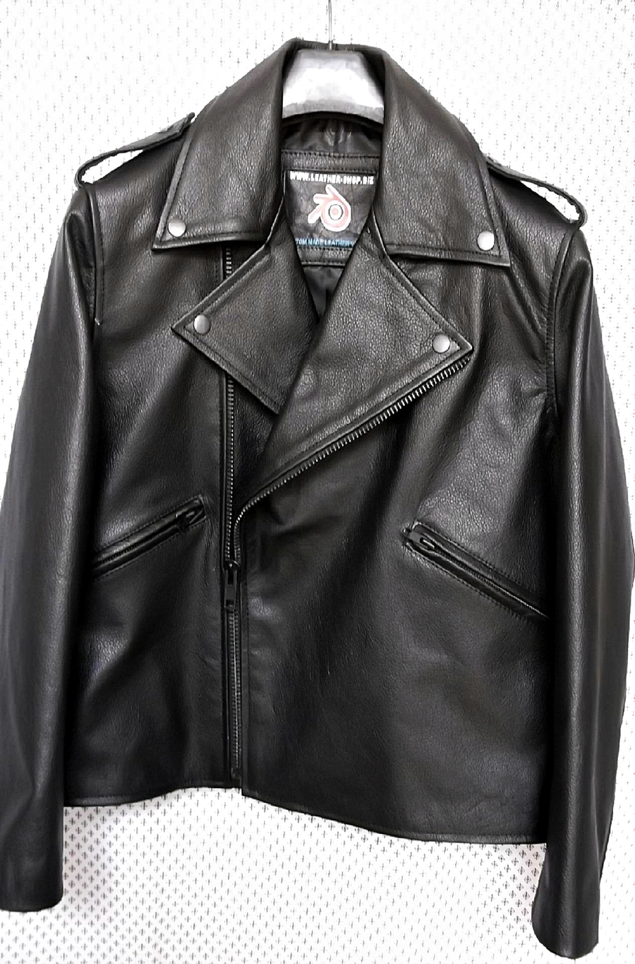 mens-leather-jacket-mlj111-black-www.leather-shop.biz-front-pic.jpg