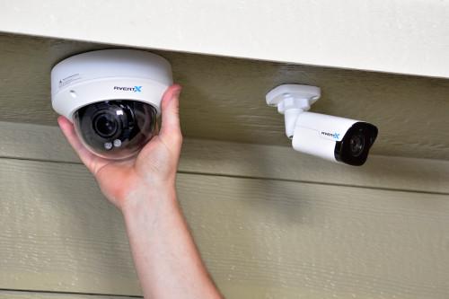4MP IR Autofocus Zoom Indoor/Outdoor IP Dome Camera with True WDR