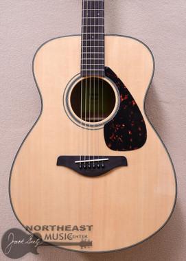 Yamaha FS800 Acoustic Auditorium Guitar (FS800)