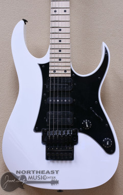 Ibanez RG550 Genesis Collection Electric Guitar in White with Ibanez IGB924 Deluxe padded gigbag