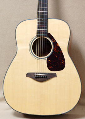 Yamaha FG700S Acoustic Solid spruce top guitar
