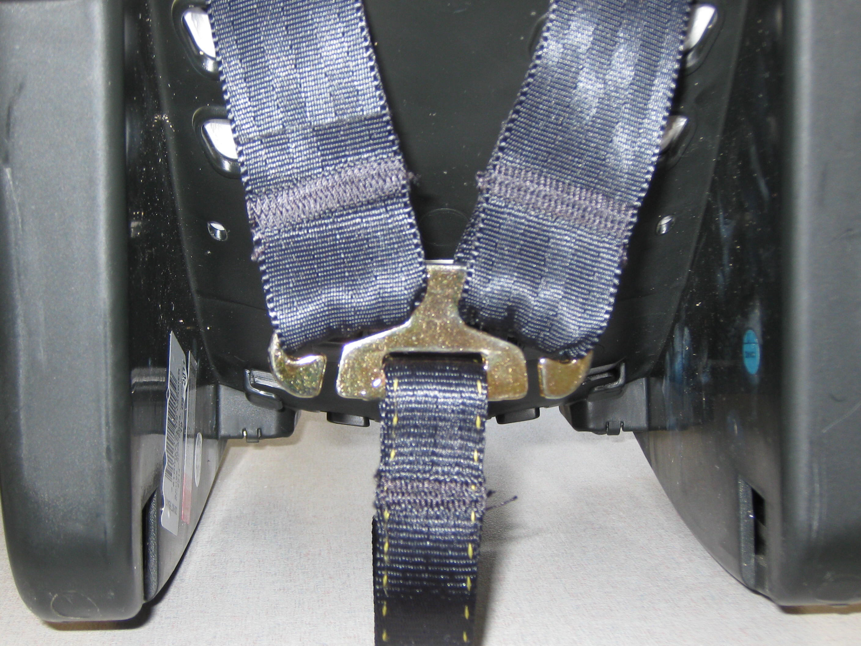 strider-plus-capsule-harness-detail.jpg
