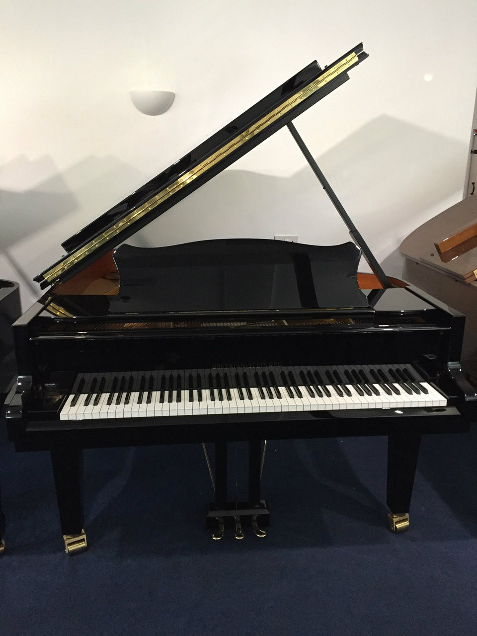 Grotrian steinweg chambre grand piano for Chambre yamaha