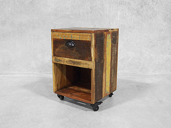 Reclaimed wooden furniture crate table innovative design for Wooden crate bedside table
