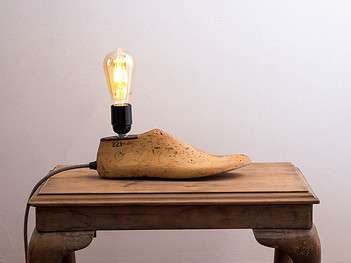 Cobblers Shoe Lamp
