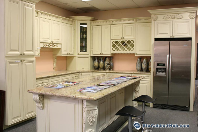 Cream Maple Glaze - French Vanilla - RTA Kitchen Cabinets