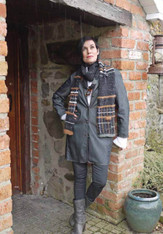 Ready To Wear O'Connor Scarf in Black Tweed/Chocolate Angora