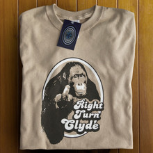 Right Turn Clyde T Shirt (Tan)