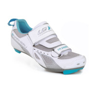 Louis Garneau Tri Speed Cycling Road Shoe. It's built for excellent ventilation and durability with 2 reversed velcro straps for easy slip on and attach. This shoe also offers good protection.