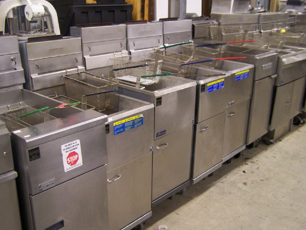 30-40-lb-commercial-deep-fryers-2.jpg