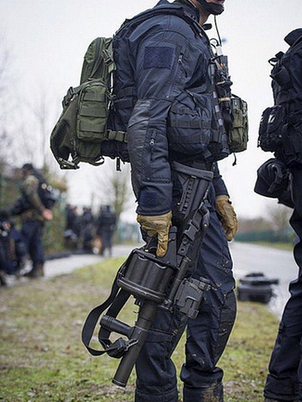 helmet-cargo-pack-warrior-assault-systems.jpg