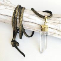 Spellbound Point Necklace in Black Shimmer